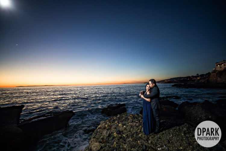 best-moon-beach-evening-engagement-photography