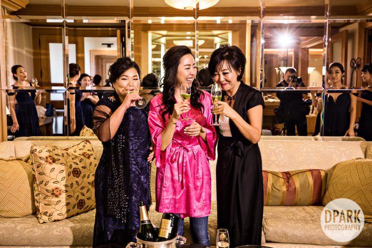 bride-bridal-suite-pelican-hill-wedding-photos-mother-of-bride-groom