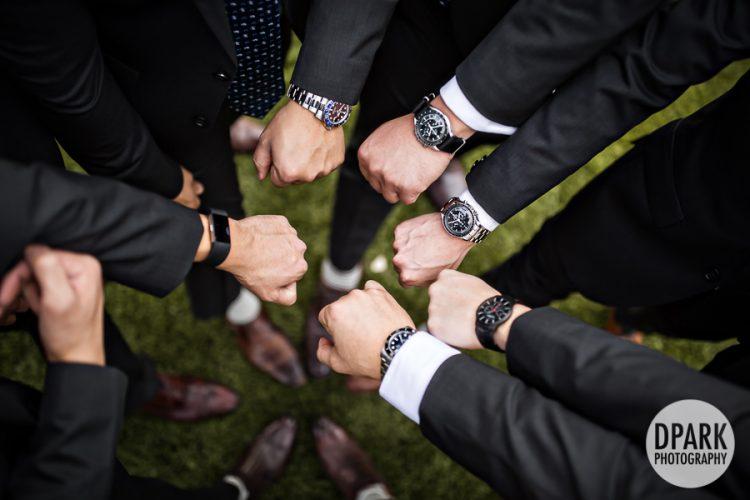 groom-watch-detail-getting-ready-groomsmen-photo