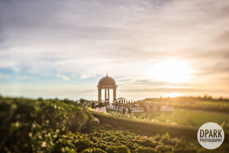 pelican-hill-grand-event-lawn-wedding-ceremony-photographer