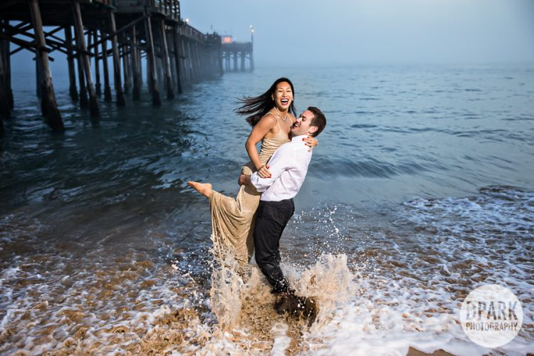 balboa-beach-pier-new-york-destination-couple-engagement-photographer