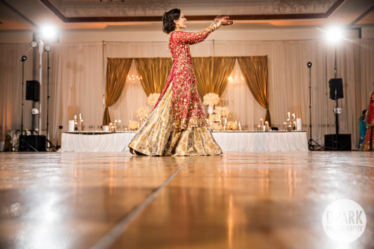 pakistani-wedding-reception-dance-performance
