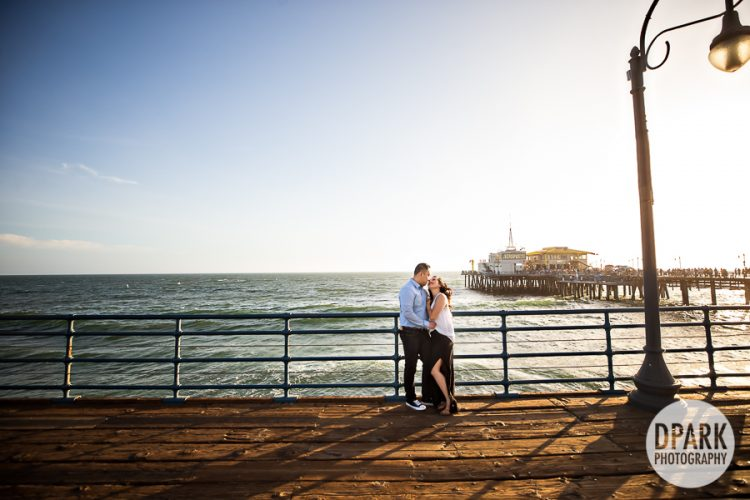 santa-monica-pier-vietnamese-engagement-photographer