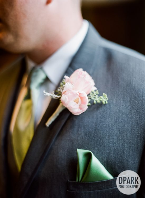 university-club-of-pasadena-wedding-ceremony-groom-floral