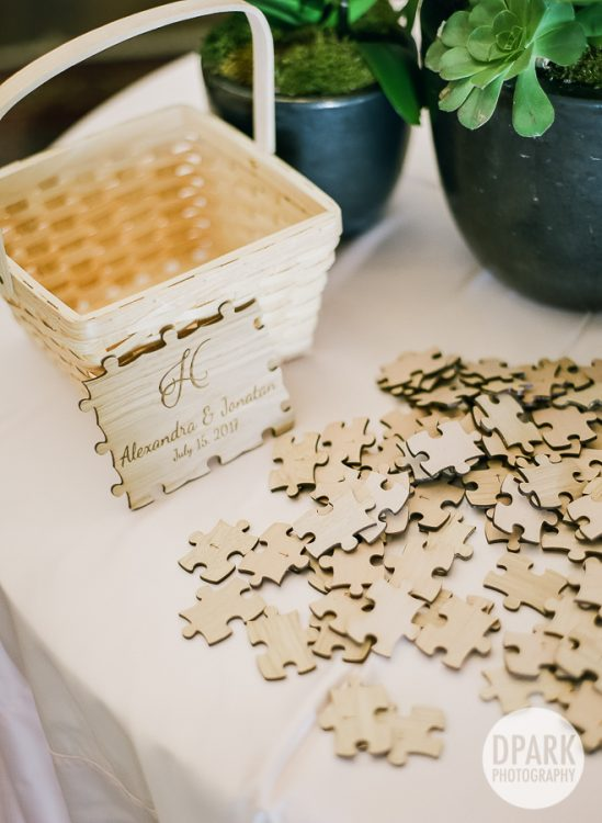 wedding-reception-cocktail-hour-puzzle-idea