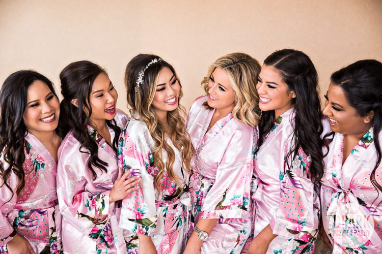 bridesmaids-gift-pink-floral-robes
