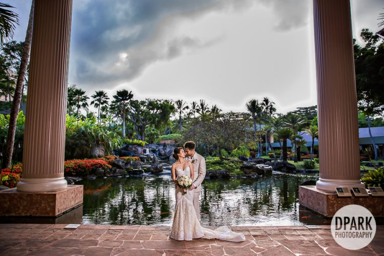 kauai-marriott-wedding-romantic-photos