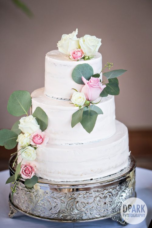luxury-hawaiian-destination-wedding-cake-ideas