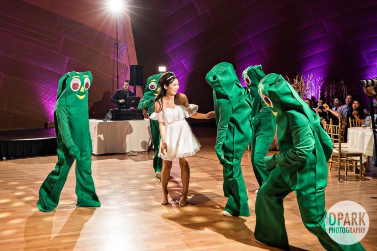 best-funny-wedding-reception-groomsmen-idea-gumby