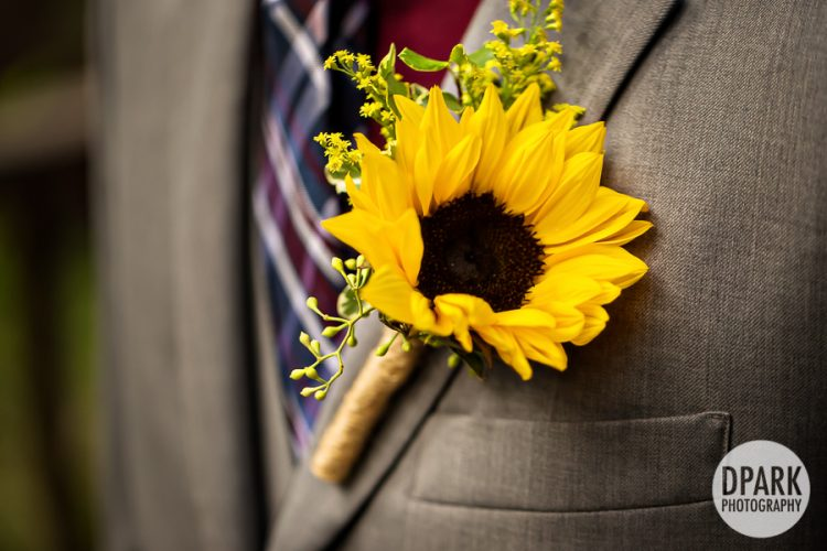 sunflower-bouttoniere-groom