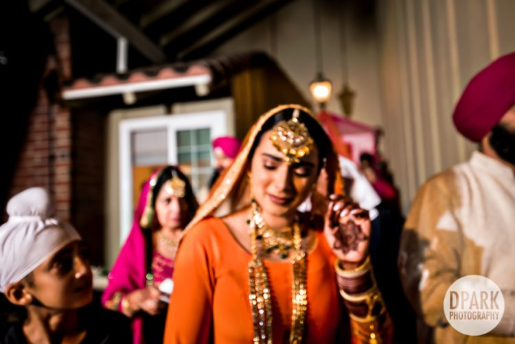thai-indian-sikh-mienh-wedding-doli