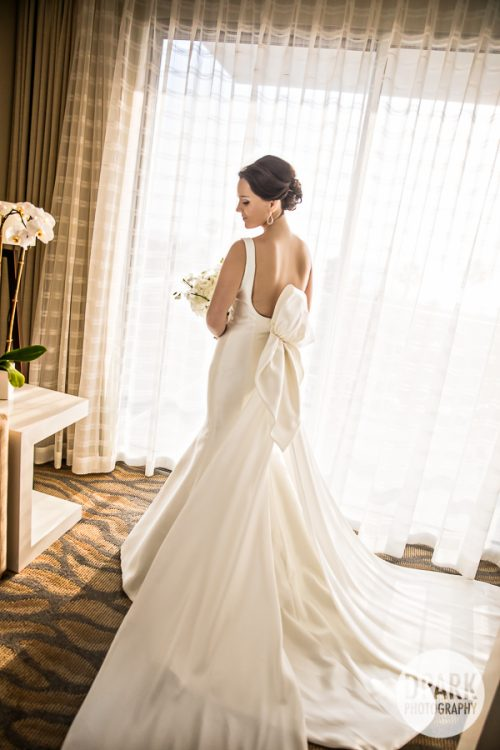 pasea-hotel-wedding-getting-ready-dress-bride