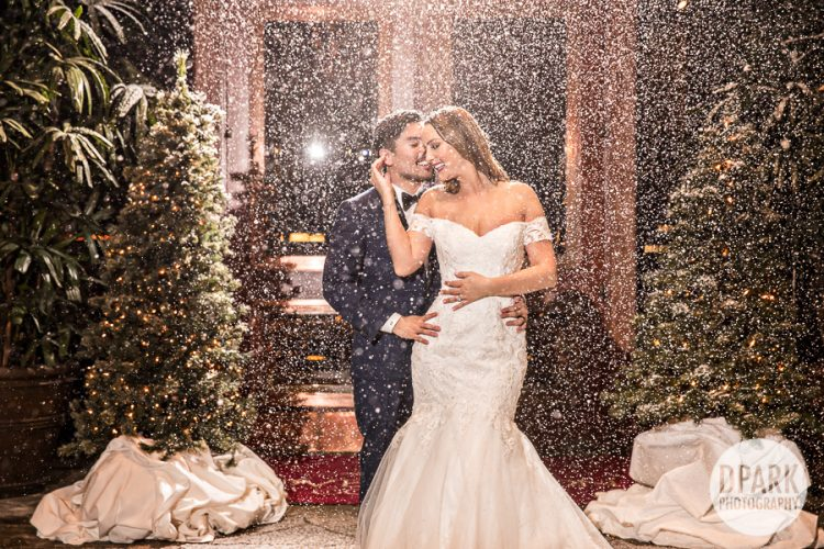 christmas-winter-wonderland-wedding