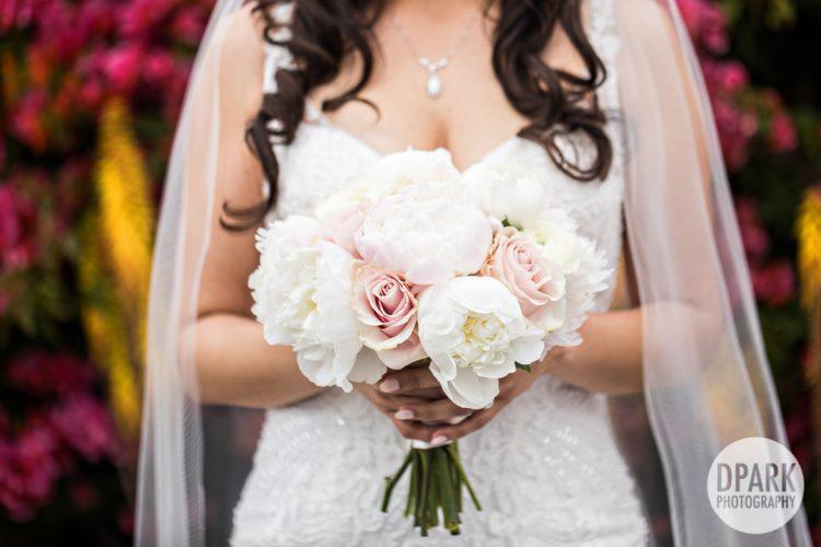 casa-de-romantica-san-clemente-wedding-bride-bouquets