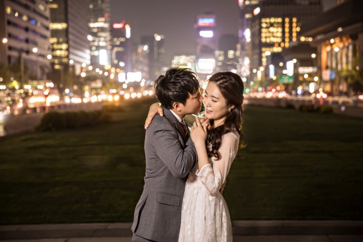 downtown-seoul-south-korea-engagement-photography
