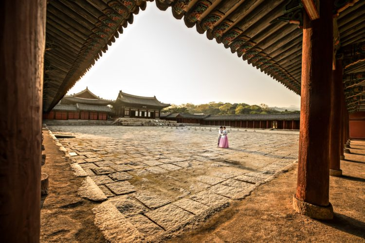 Changgyeonggung-palace-seoul-south-korea-wedding-photographer