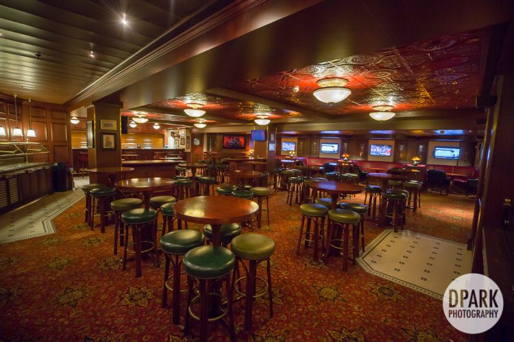 disney-cruise-adults-only-crown-and-fin-pub