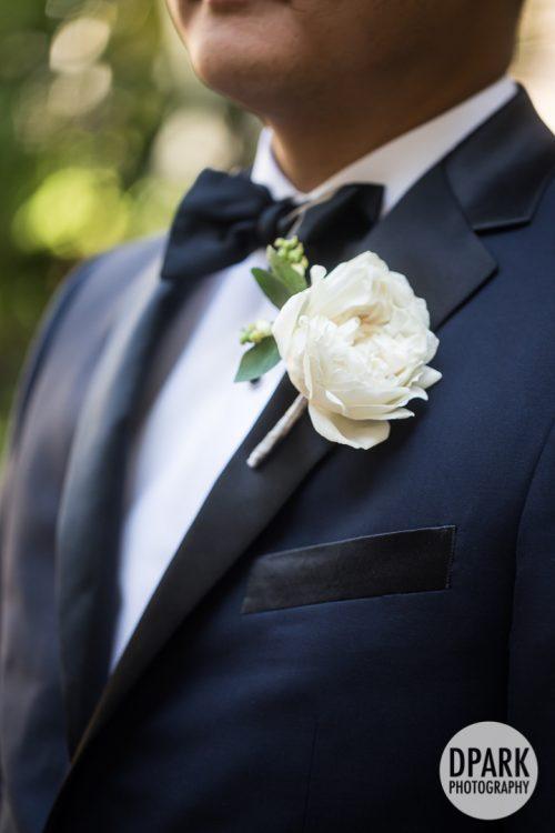 blue-suit-white-bouttoniere