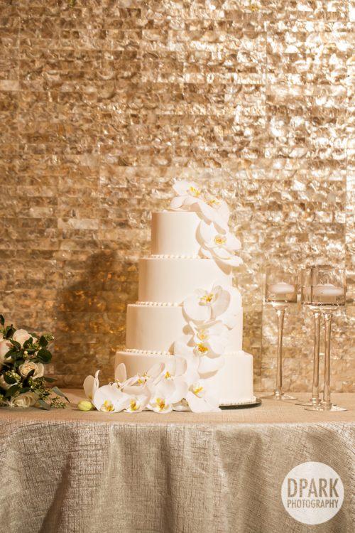 modern-2018-wedding-cake-design