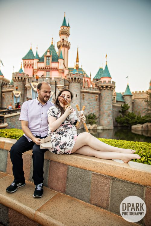 castle-maternity-photographer-funny-photos