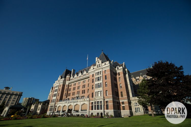 fairmont-empress-victoria-hotel-high-tea-wedding-photographer