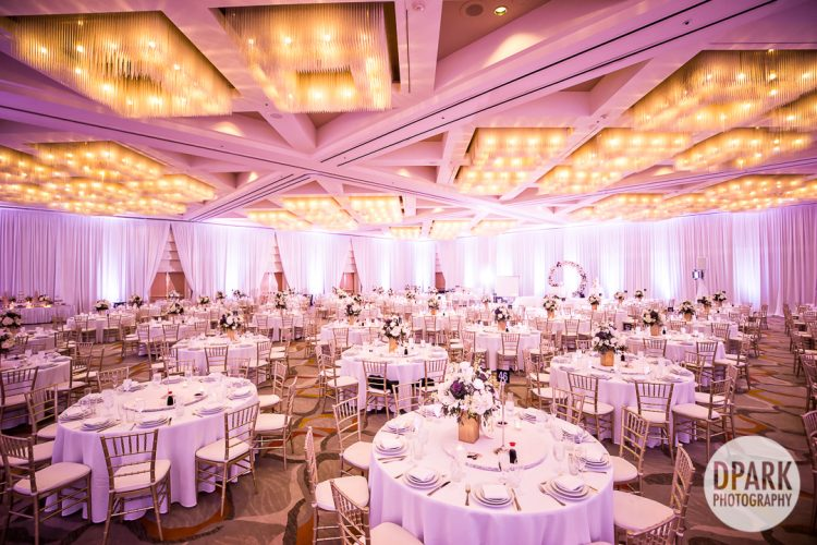 hotel-irvine-luxury-vietnamese-wedding-reception-purple-decor