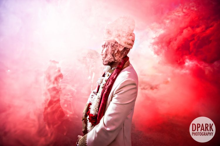smoke-bomb-color-best-baraat-photograph